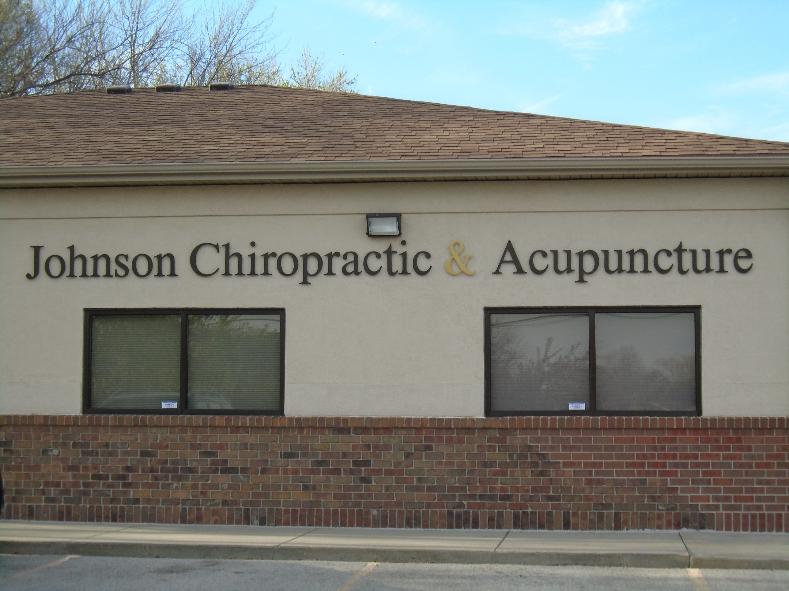Johnson Chiropractic and Acupuncture - Chiropractor and ...